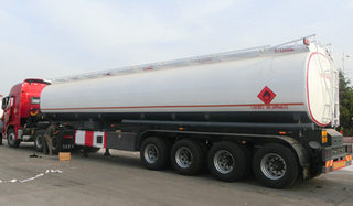 4 AXLES OIL TANKER SEMI TRAILER